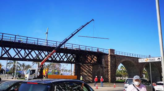 Las obras del Cable modifican el tráfico en la glorieta de las Almadrabillas