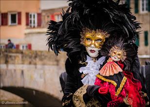 Foto: Die Puppenspielerin  Ein weiteres Bild des venezianischen Faschings in Schwäbisch Hall Feel free to +, comment and share  und irgendwann hol ich mir das 70-200mm/2.8f....  #schwäbischhall #halliavenezia #venezianisch