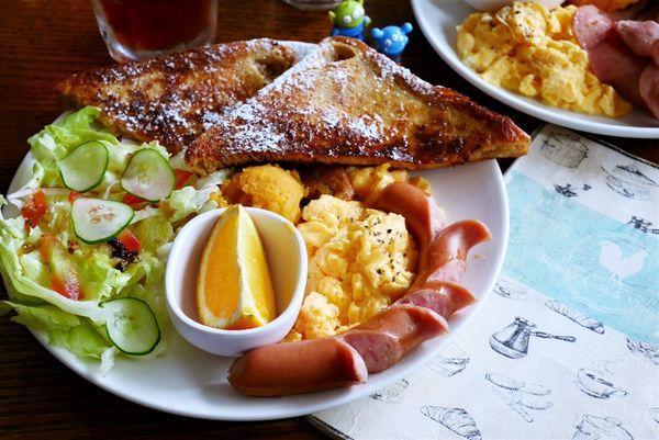 中山早午餐-公雞咖啡Rooster café & vintage.文青風早午餐.早午餐餐廳.雙連美食.中山美食.近雙連捷運站