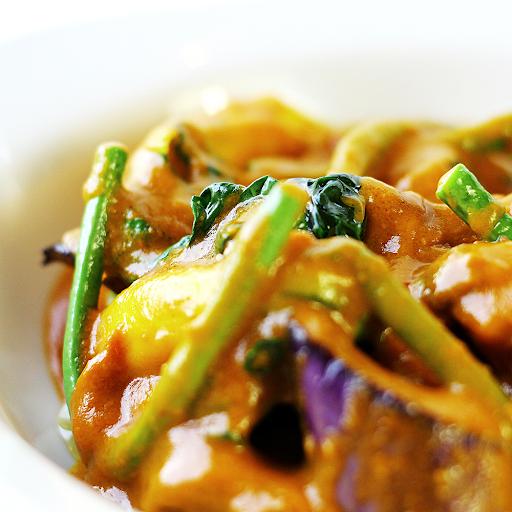 Chicken Kare Kare Rice Combo