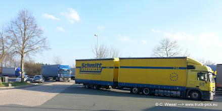 Photo: Volumenzug von Schmitt / Peterslahr   >>> www.truck-pics.eu <<<