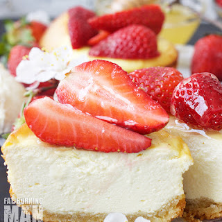 Strawberry Mini Cheesecake.