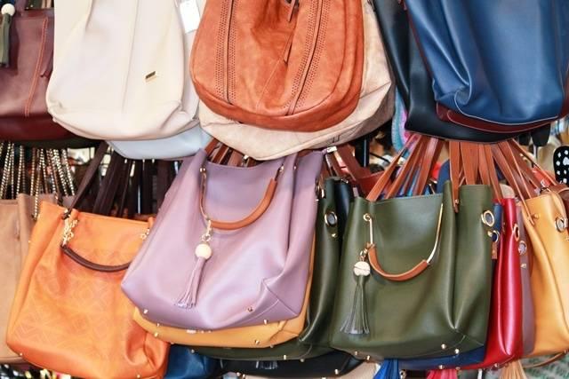 bags-sarojini-nagar-market-delhi-guide_image