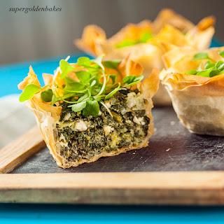 Spinach, feta & Stilton tartlets (spanakopitakia)