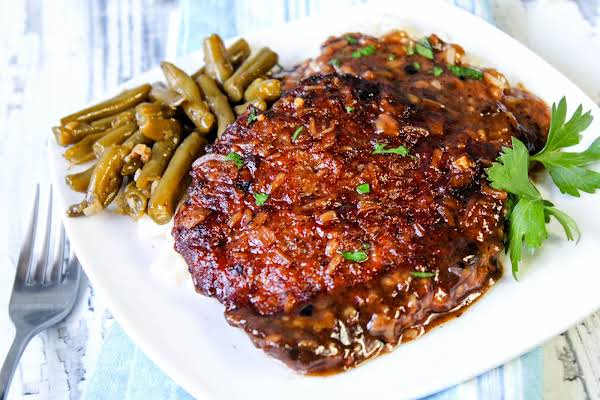 Melt-in-your-mouth Cubed Steak With Gravy.