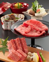Photo: 協会が定めたA5ランクの近江牛だけを使った「ステーキ」「しゃぶしゃぶ」「しぐれ煮」など全11品の近江牛A5牛会席。