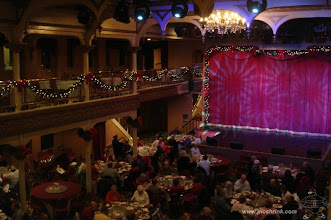 Photo: Kerstdiner met show op de General Jackson Showboat