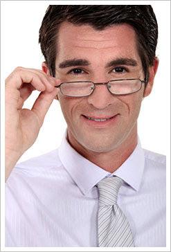 免切角膜瓣雷射  Relax smile同步解決老花近視困擾