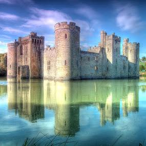 Bodiam castle colours by Dean Thorpe - Buildings & Architecture Public & Historical (  )
