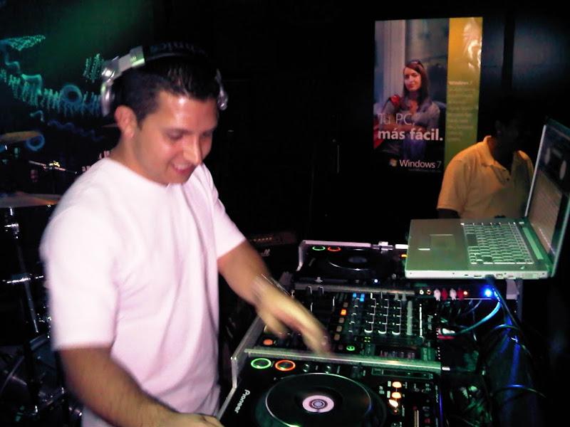 Photo: Después de la banda, entró en acción el DJ