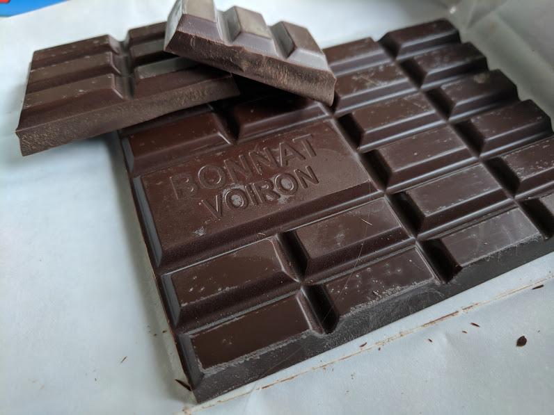 75% Chocolate bonnat bar open
