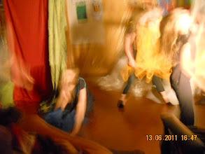 Photo: 13 VI 2011 roku - zamazana tańczące postaci