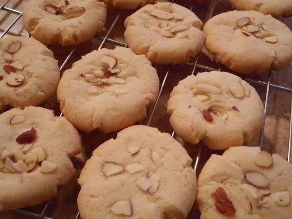 Almond Cookies Recipe