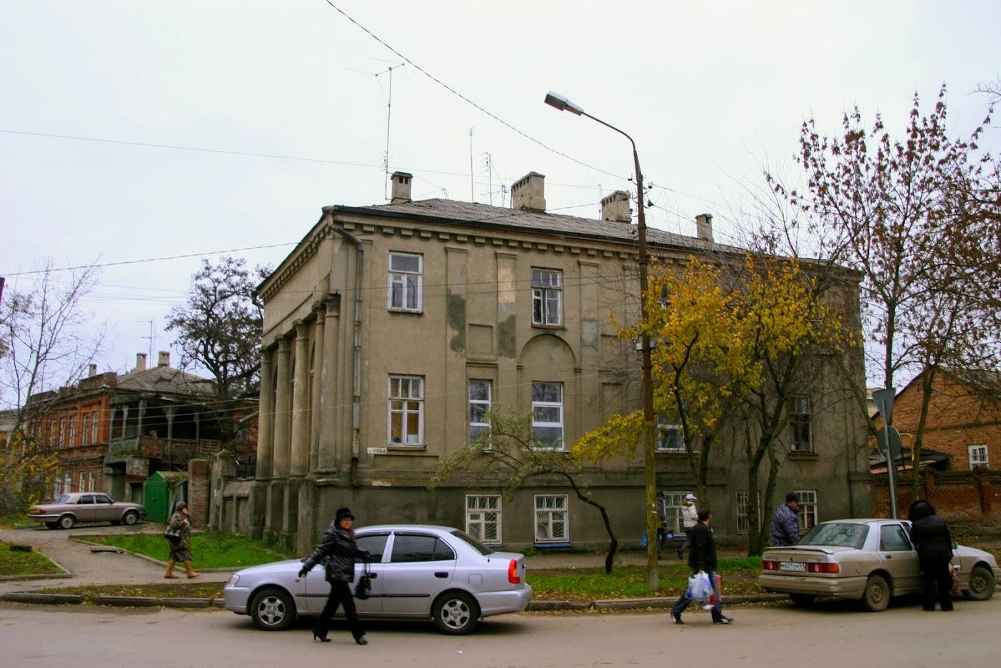 https://sites.google.com/site/istoriceskijtaganrog/cehova-ulica/dom-119