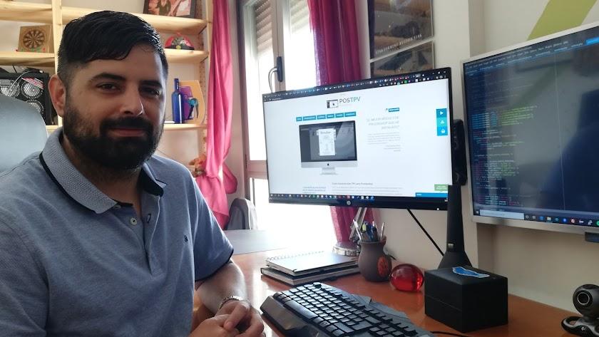 Alejandro Lozano, en su trabajo