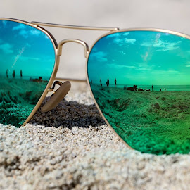 South Beach. by Ivo Tunchel - Artistic Objects Clothing & Accessories