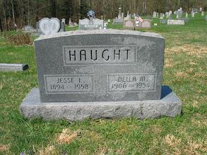 Photo: Haught, Jesse L. and Della M.