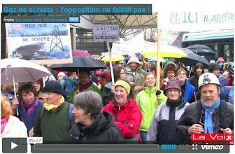 Photo: La VOIX DES ALLOBROGES: Article et vidéo..http://lavoixdesallobroges.org/environnement/496-manifestation-contre-les-gaz-de-schiste-a-bourg-en-bresse