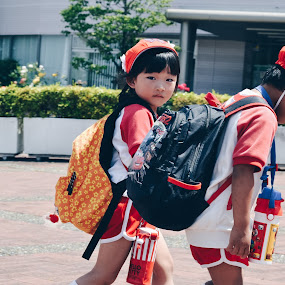 Japanese kids by Valentina Cantera - Babies & Children Children Candids ( red, japanese, childhood, japan, children, kid, asia, girl, girl child, kids )