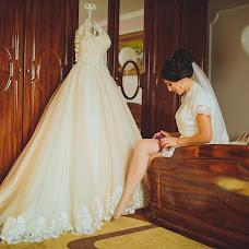 Wedding photographer Nadezhda Anton (nadyaanton95). Photo of 14.07.2018