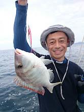 Photo: 本日3匹目のフエフキ。 ・・・あんまりこればかり釣ってると 後輩から「フエフキ師匠」って呼ばれますよ!