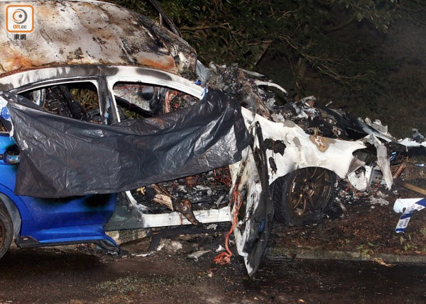 हङकङमा भयंकर कार दुर्घटना, जलेर एकको मृत्यु