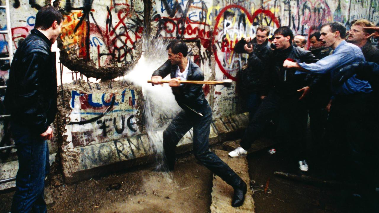 Bức tường Berlin sụp đổ, nước Đức được thống nhất