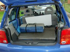Photo: VORTAG | Das Begleitfahrzeug BAZI wird beladen