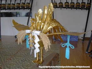 Photo: 【平成16年(2004) 宵々宮】 鳳凰に稲穂をくわえさせる。