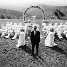 Wedding photographer Vasiliy Tikhomirov (BoraBora). Photo of 26.04.2015