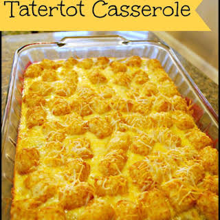 Tater Tot Breakfast Casserole - Food Fun Friday.