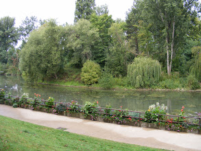 Photo: There is a pleasant riverside walk in town, where the Seine passes by the Ile de Migneaux.