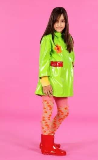 """Imagem promocional do álbum """"Yasmin""""."""