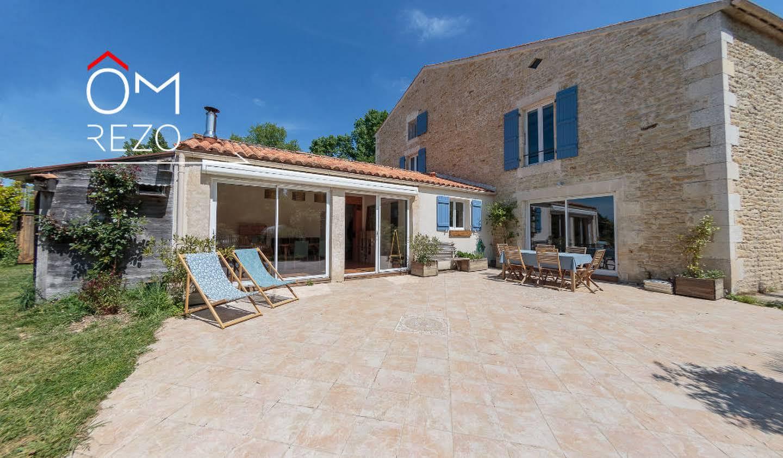 Maison avec piscine Saint-Germain-de-Marencennes