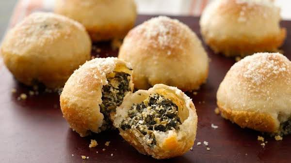 Spinach Dip Stuffed Garlic Rolls Recipe
