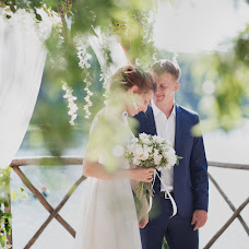 Wedding photographer Oksana Petrukhina (OksPetrukhina). Photo of 13.08.2017