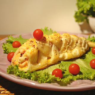 Fish-Shaped Salmon in Puff Pastry.