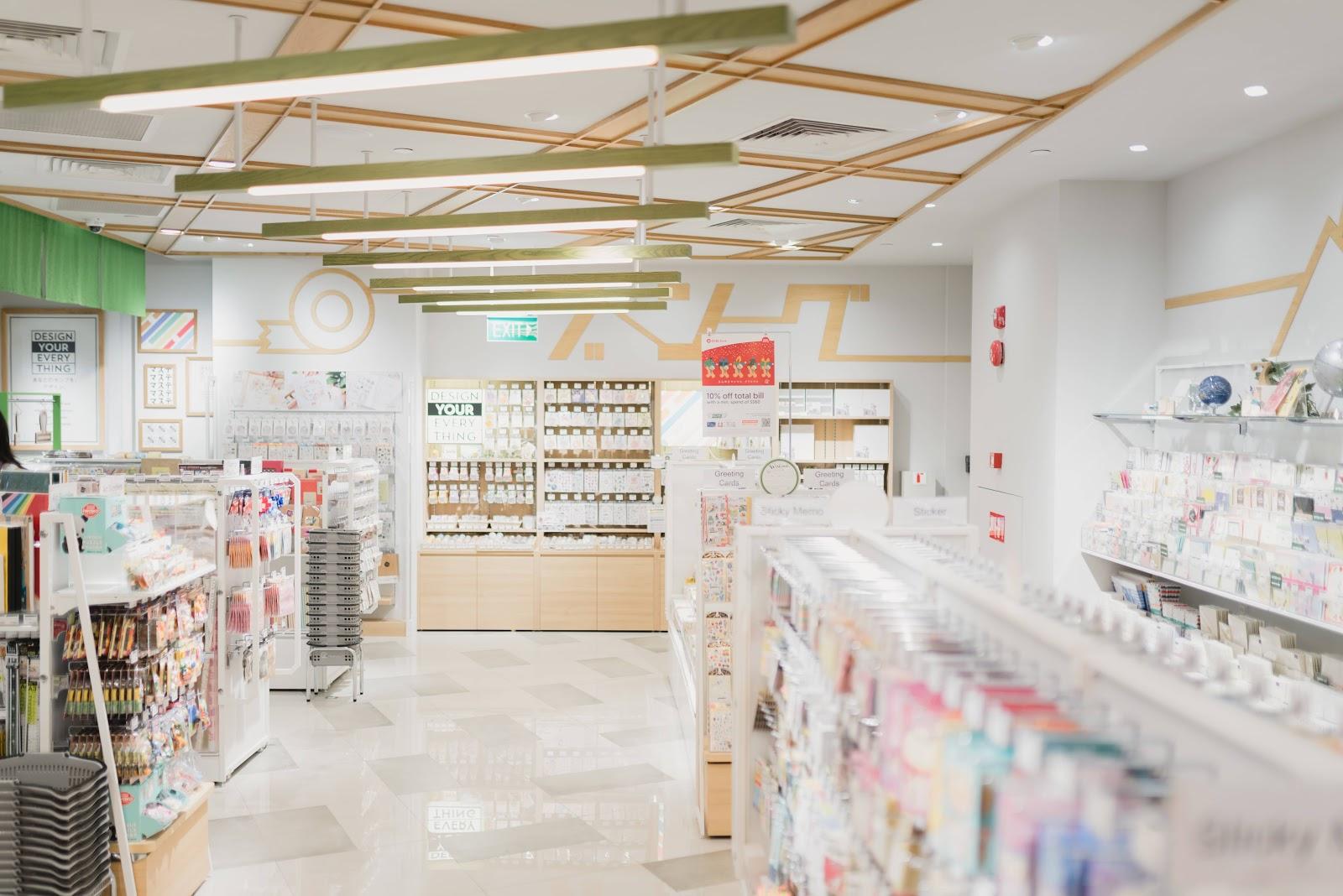 scaffali-farmacia