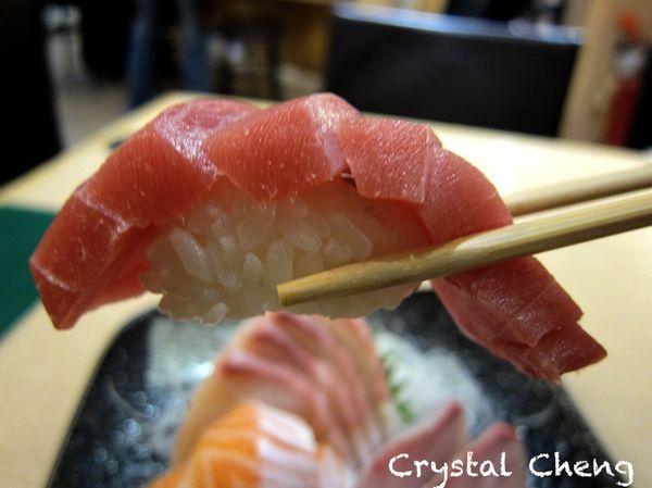 躼腳日本料理 平價美味又新鮮 超厚生魚片吃起來就是過癮啊!!(海鮮丼 台北捷運美食)