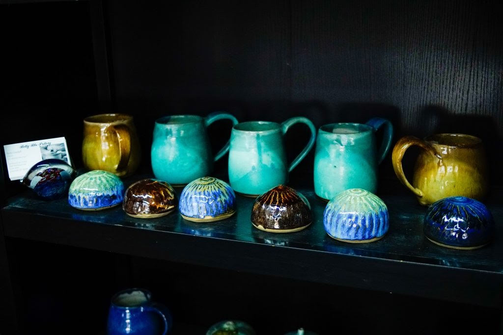 Betty Blu Pottery: Pottery and Salt Shakers