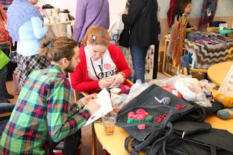 Photo: På Torget var det också pågående workshops: under lördagen - virkade klurigheter från Wilhelm Hansson.