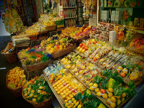 Photo: Tourist shop in Sorrento