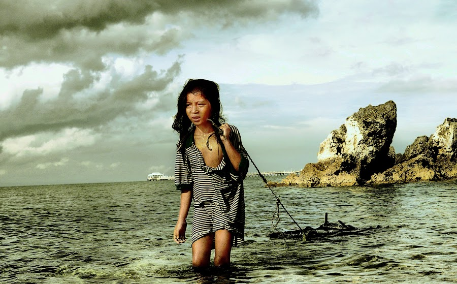 A Journey without Footsteps by Samson Patigas - News & Events World Events ( child, stormy, shore )