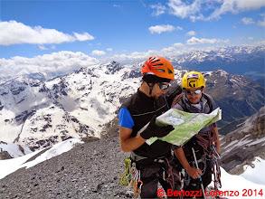 Photo: Lor_DSC00146 la cartina alla ricerca della cresta da scendere