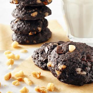 Macadamia Chocolate Chunk Cookies.