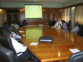 Photo: Presentation by Norman Uphoff on SRI to Cabinet of the Solomon Islands, Nov. 9, 2009