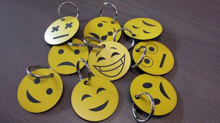 Kunststof - sleutelhangers smiley