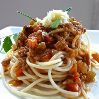 Spaghetti With Curried Meat Sauce ( Malaysian Taste ).