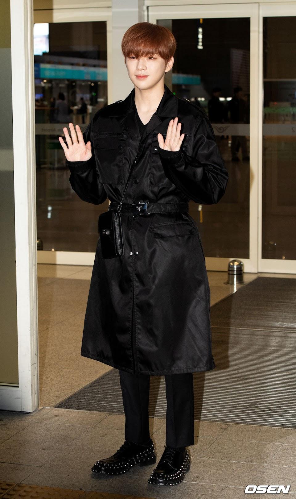 kang daniel airport black 6