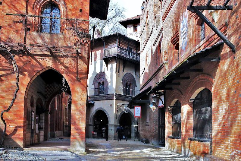 Borgo feudale del XV secolo di ScrofaniRosaria